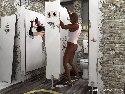 Baise interracial salle de bain